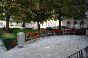 New public seating at Bennoplatz . Source: http://www.diejosefstadt.at/
